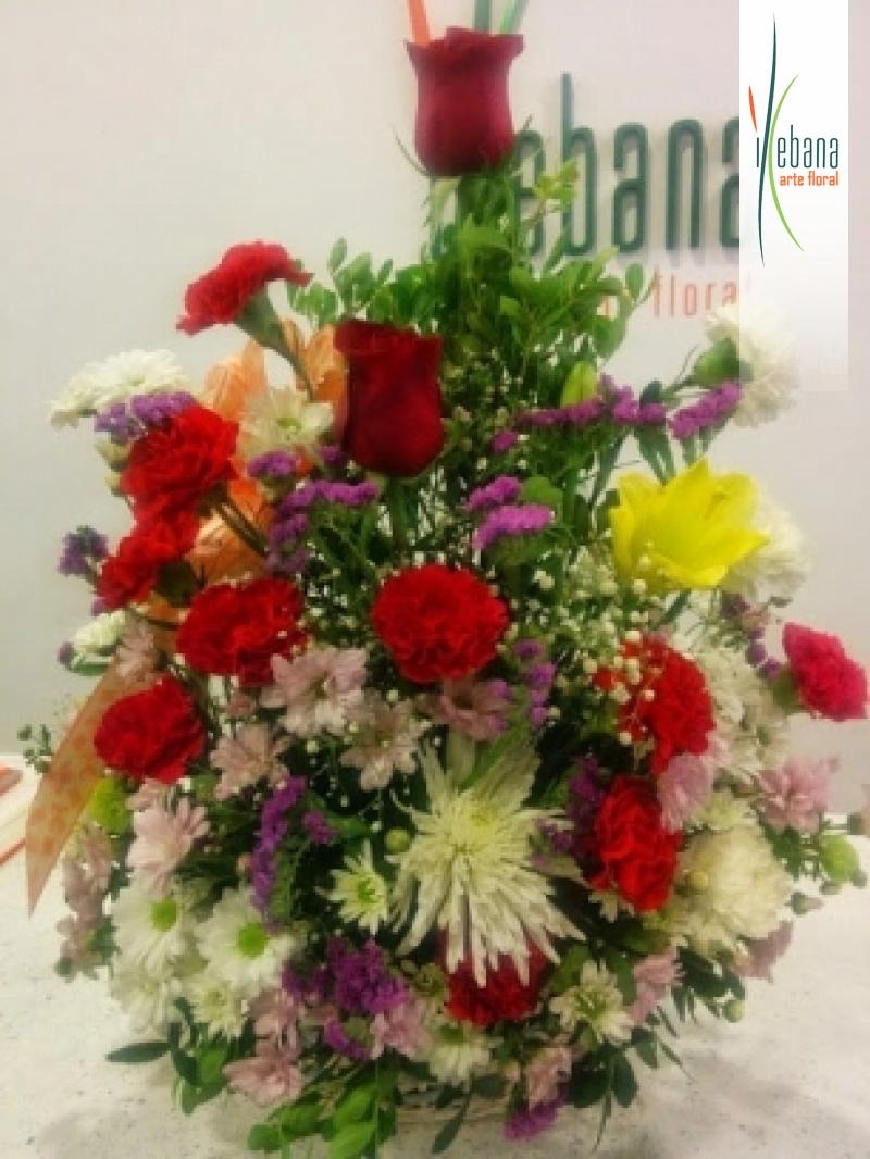 Centro de flor variada funeral