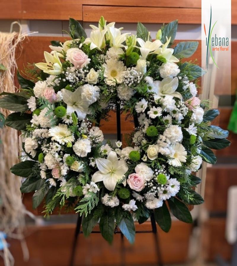Corona de flor blanca funeral
