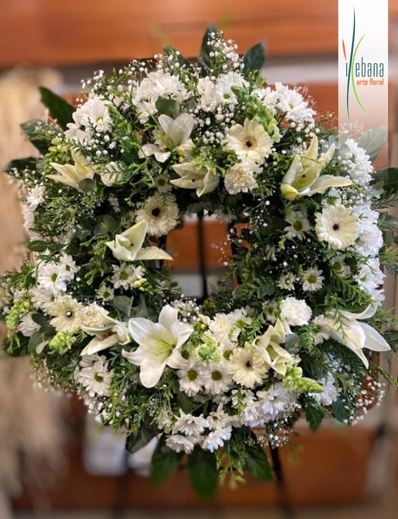 Corona de flor variada funeral