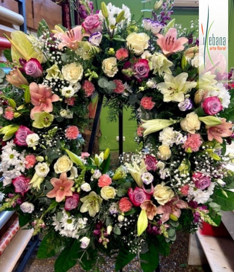 Corona de flor variada funeraria