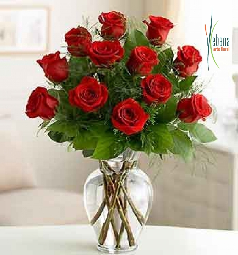 Ramo de 12 rosas funeral