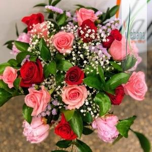 Ramo de 18 rosas colores